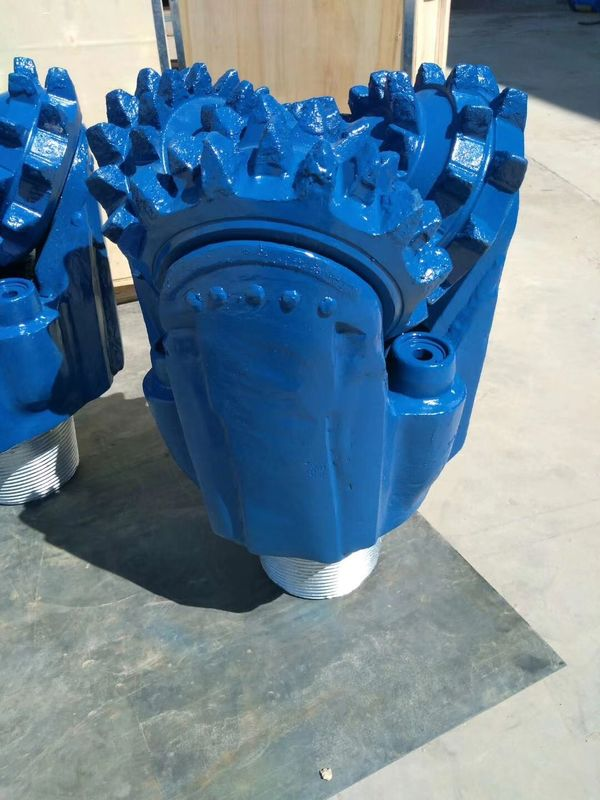 Customized Color Tricone Drill Bit For Well Drilling Dia 10'' Forging Processing